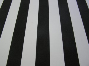 Key black stripe on polyester for ultimate wear and tear outdoors